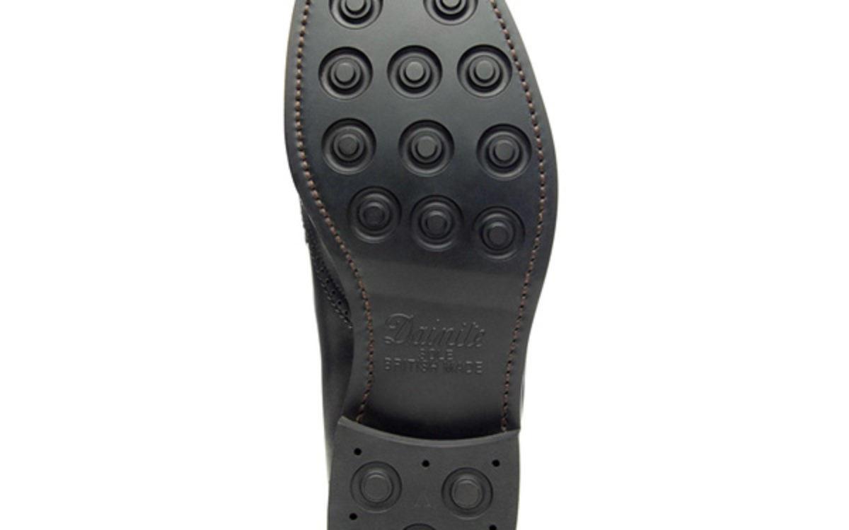 Dainite Sohle Schuhreparatur von rahmengenähten Schuhen